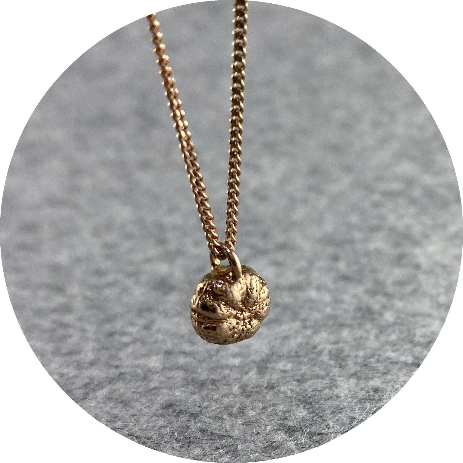 Manuela Igreja - 'Rose Daisy Bud Necklace', 925 silver, rose gold plate