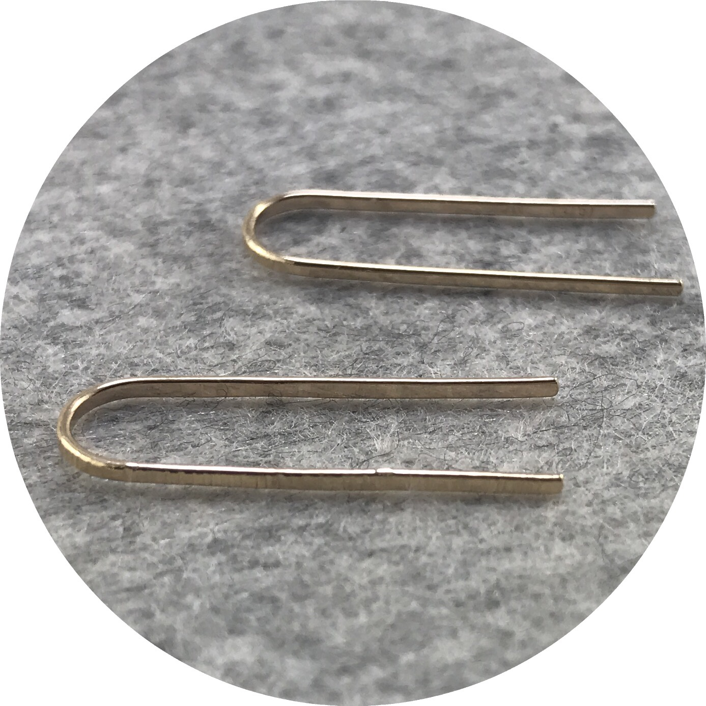 Abby Seymour - Linear Bar 9ct Yellow Gold Drop Studs