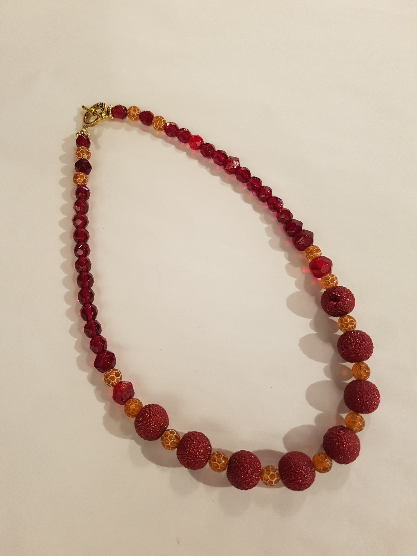 Red and Gold Beaded Necklace - Atelier Crafers